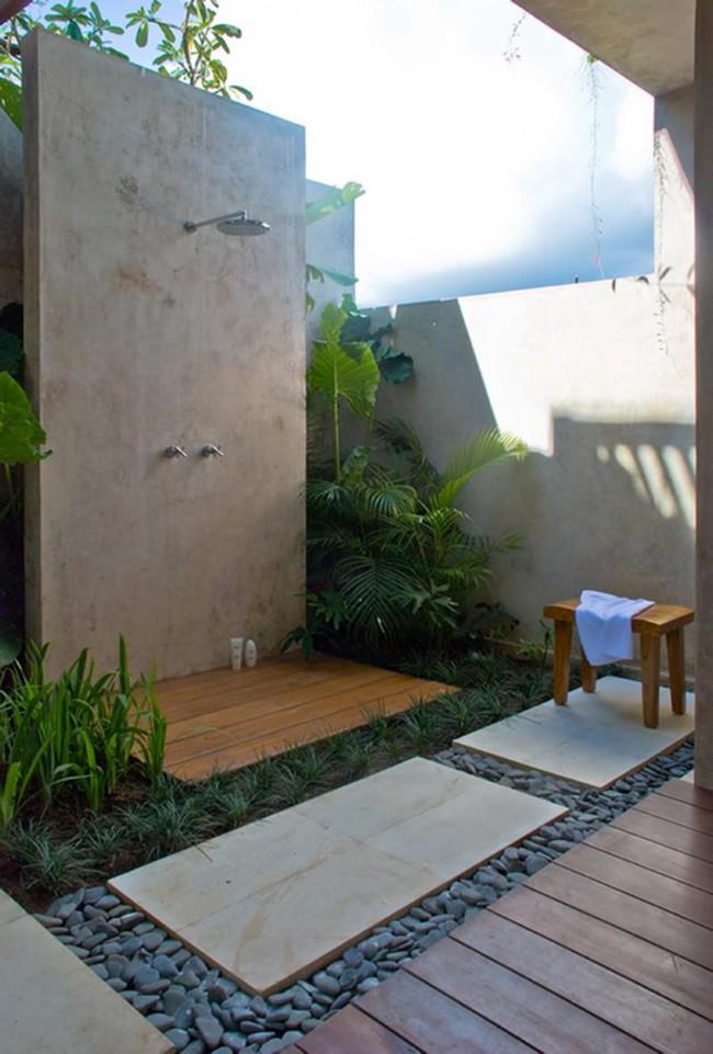8 mẫu phòng tắm ngoài trời vừa đẹp vừa dễ để bạn biến cuộc sống tại nhà không khác gì ở các resort sang chảnh - Ảnh 4.