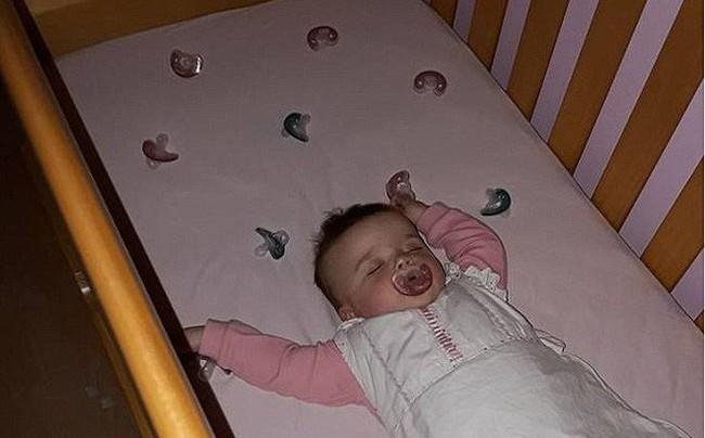 Con trai nhỏ cứ 3 tiếng lại dậy khóc đêm một lần, mẹ trẻ hiến kế giúp con ngủ ngoan đến sáng     - Ảnh 3.