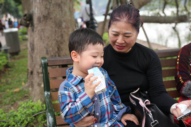 Đối diện quái vật Momo, phụ huynh Việt ngậm ngùi thừa nhận không kiểm soát nội dung con cái xem hàng ngày trên Youtube - Ảnh 4.