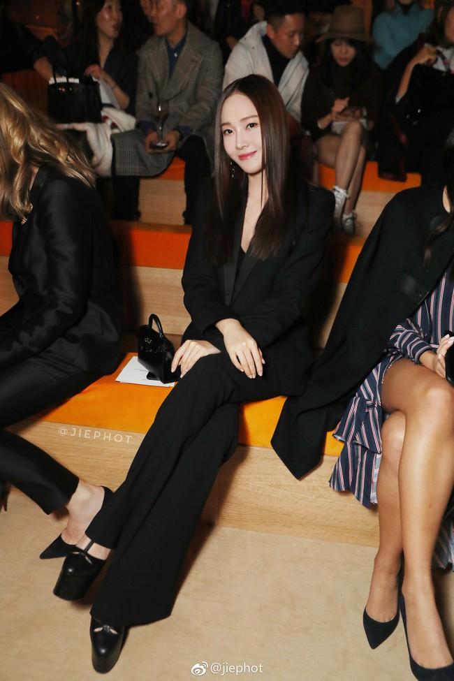 """Bị chê photoshop quá đà, Jessica Jung đáp trả với đôi chân dài miên man nhờ bí kíp mix đồ siêu """"hack dáng"""" - Ảnh 4."""