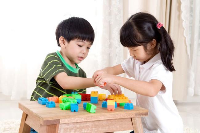 Khi dạy con cha mẹ ngàn lần không nên cấm trẻ làm 9 điều này, bằng không sẽ ảnh hưởng đến sự phát triển sau này của bé - Ảnh 2.