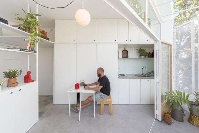 Căn hộ 25m² mát về hè, ấm về đông và luôn rộng hơn diện tích thực bởi thiết kế nội thất thông minh - Ảnh 6.