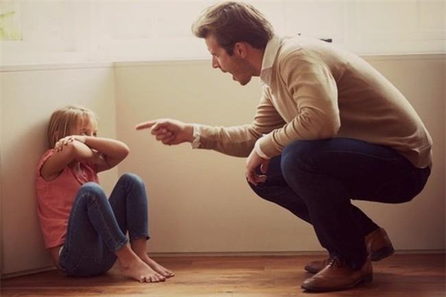 Khi dạy con cha mẹ ngàn lần không nên cấm trẻ làm 9 điều này, bằng không sẽ ảnh hưởng đến sự phát triển sau này của bé - Ảnh 4.