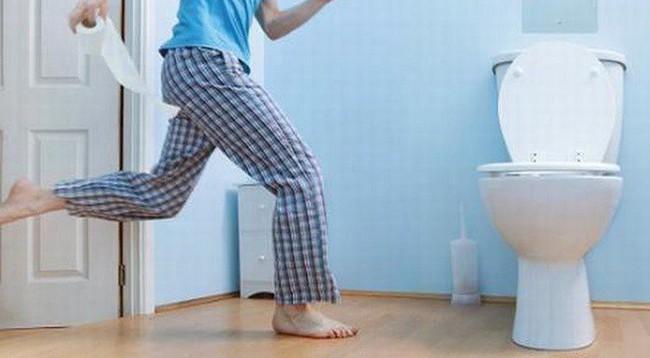 Buồn tiểu đi ngay để tốt cho thận hóa ra là sai lầm: Hãy nghe chuyên gia phân tích tác hại - Ảnh 2.