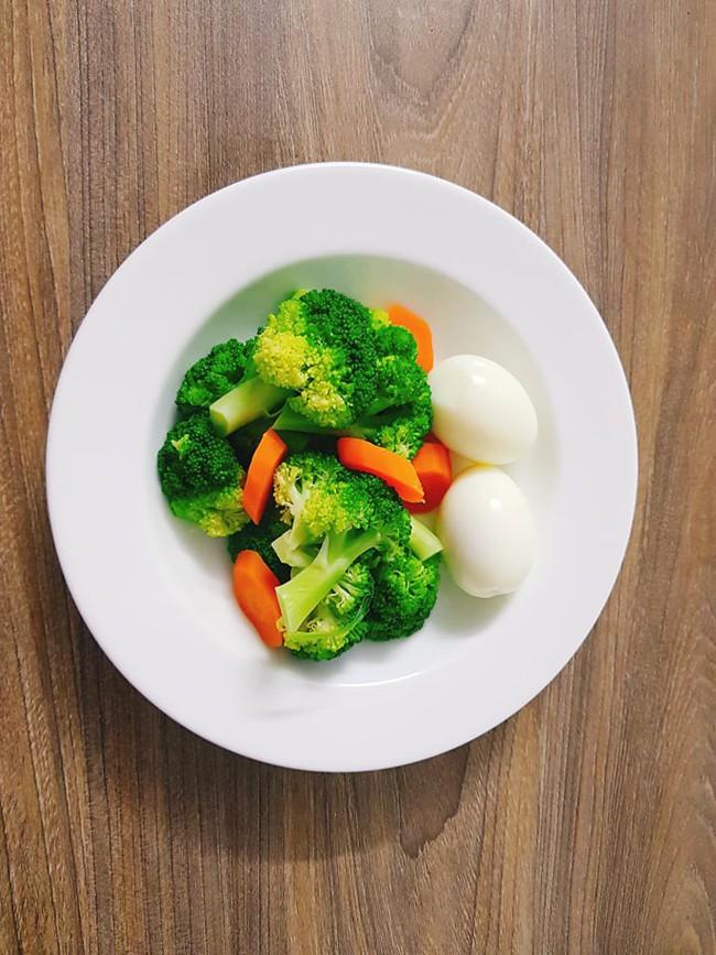 Công thức giảm 4kg mỡ thừa đều đặn mỗi tháng, chẳng lo mất sức của hotmom 8x xinh đẹp - Ảnh 8.