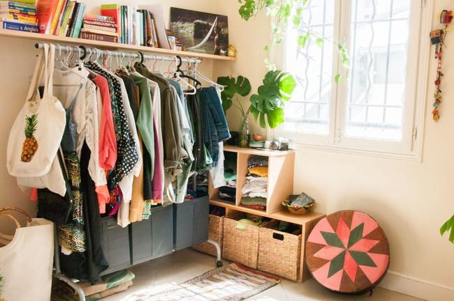 Làm thế nào để biến tủ quần áo của bạn thành một tác phẩm thiết kế siêu ấn tượng? - Ảnh 1.