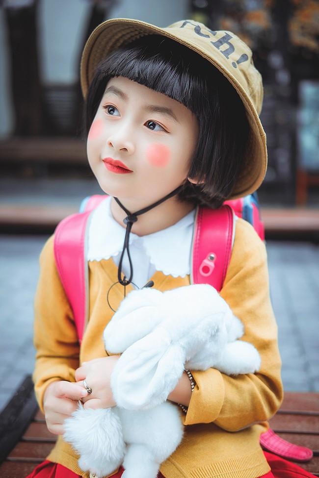 Bộ ảnh nhóc Maruko hồn nhiên, lí lắc xuất hiện ngay giữa Hà Nội khiến cộng đồng mạng ngả nghiêng - Ảnh 3.