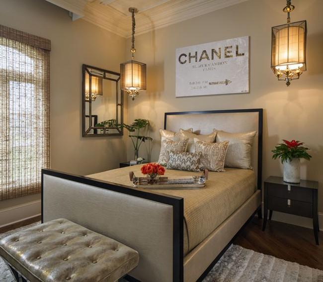 Thử mà xem phòng ngủ đẹp biết mấy nhờ đèn thả trang trí - Ảnh 2.