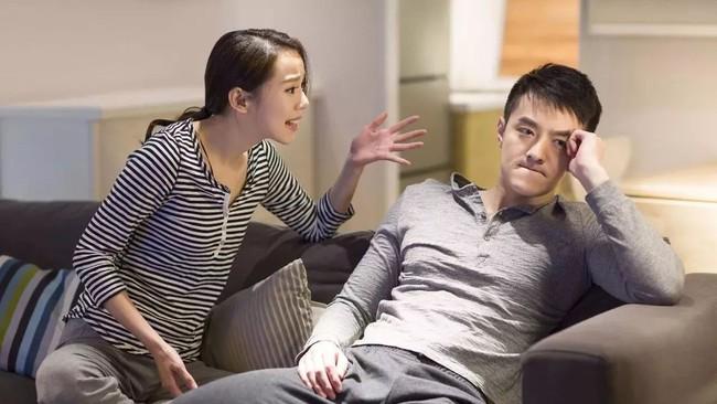 Bán đất của bố mẹ vợ với cái giá 2 tỷ, chồng bí mật làm một việc khiến vợ trẻ sững sờ - Ảnh 1.