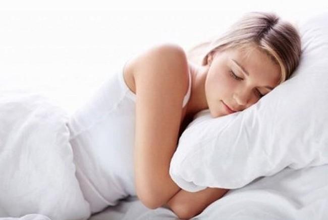 Thức khuya dẫn đến mất ngủ thường xuyên, mẹ trẻ 27 tuổi đột tử phải bỏ lại 2 con nhỏ - Ảnh 4.