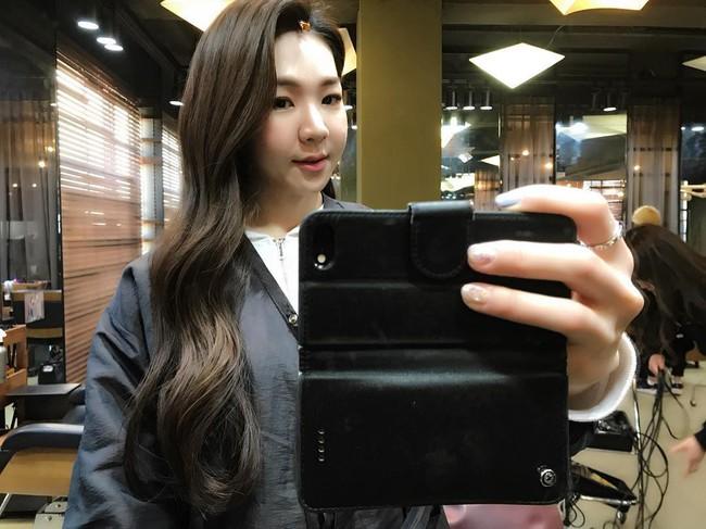 """Ngôi sao MXH Hàn Quốc xinh như búp bê nhưng nhìn """"toàn cảnh"""" lại khiến đấng mày râu phải khóc thét vì ghen tị - Ảnh 2."""