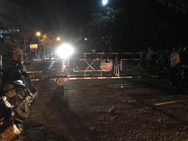 Thừa Thiên Huế: Bố mất sớm, mẹ bệnh tim ngã quỵ bên thi thể con trai 14 tuổi chết trên đường đi học về - Ảnh 1.