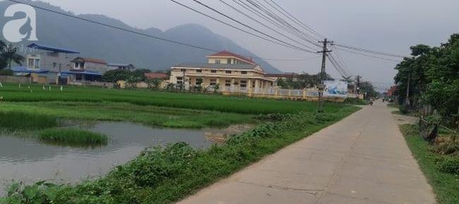 Vụ cô giáo nghi nhét chất bẩn vào vùng kín bé gái 5 tuổi ở Thái Nguyên: Hiệu trưởng phản bác, cô giáo im lặng chờ điều tra - Ảnh 8.