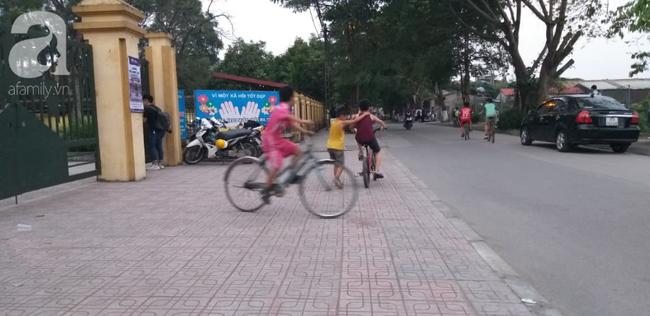 Vụ thầy giáo nghi dâm ô nhiều học sinh nam ở Hà Nội: Công an, nhà trường đang họp khẩn, học sinh hoang mang - Ảnh 6.