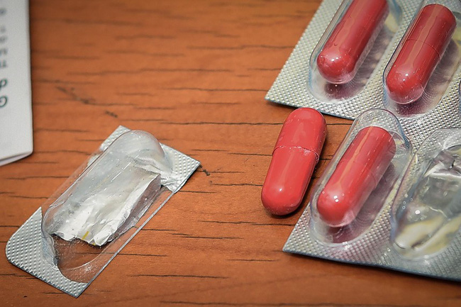 Bệnh viện Bạch Mai dừng lưu thông loại thuốc bị tố kém chất lượng - Ảnh 1.