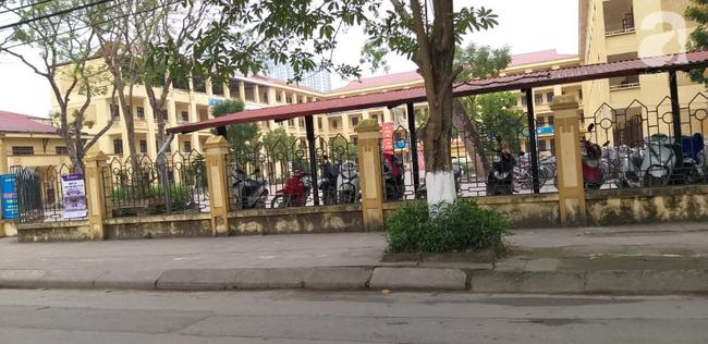 LIVE: Lãnh đạo trường Trần Phú trả lời vụ thầy giáo dạy Toán nghi dâm ô nhiều nam sinh ở Hà Nội - Ảnh 5.