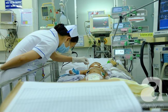 Bé trai 2 tháng tuổi tử vong sau 1 ngày tiêm vắc-xin 5 trong 1: Đến bệnh viện bé đã ngưng tim và chết não - Ảnh 2.