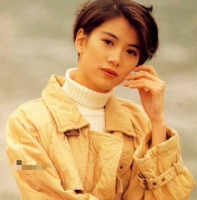 """Viên Vịnh Nghi thời thiếu nữ như tiên tử thế này, hỏi sao Trương Trí Lâm có nhiều """"vệ tinh"""" vây quanh, vẫn một mực chung thủy đến giờ - Ảnh 2."""