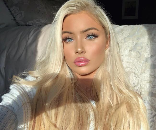 Thí sinh Hoa hậu Mỹ 2019 gây sốt với vẻ đẹp Barbie sống nhưng nhan sắc của dàn chị em ruột còn đáng chú ý hơn cả - Ảnh 4.
