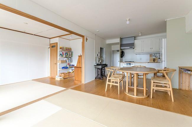 Bí mật bất ngờ bên trong căn nhà áp dụng phong cách tối giản ở Nhật khiến toàn thế giới ngả mũ thán phục - Ảnh 10.