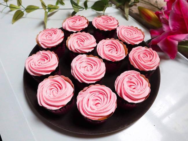 Nghỉ lễ trổ tài làm bánh cupcake đẹp lộng lẫy mà không khó chút nào! - Ảnh 6.