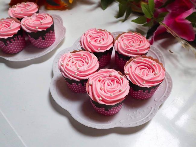Nghỉ lễ trổ tài làm bánh cupcake đẹp lộng lẫy mà không khó chút nào! - Ảnh 7.