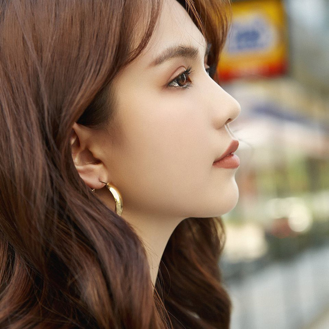 Ngọc Trinh bất ngờ tâm sự lạ: Tôi muốn yêu người nào đó thật bình thường không sóng gió - Ảnh 1.