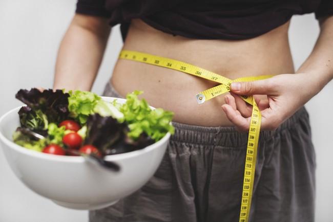 Chế độ ăn Keto có thể rất hot nhưng hãy cẩn thận với 4 nguy cơ lâu dài của nó đối với sức khỏe - Ảnh 4.