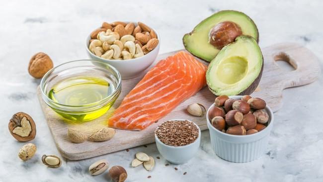 Chế độ ăn Keto có thể rất hot nhưng hãy cẩn thận với 4 nguy cơ lâu dài của nó đối với sức khỏe - Ảnh 1.