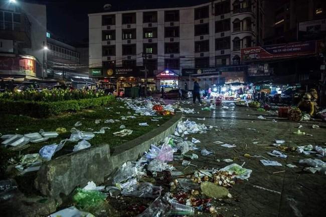 Đà Lạt ngập trong biển rác thải sau kỳ nghỉ lễ, nhìn cảnh tượng nhếch nhác khiến nhiều người sốc nặng - Ảnh 6.