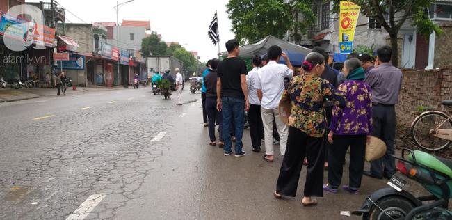 Vụ nữ sinh lớp 12 nhảy cầu tự tử, nghi bị hiếp dâm ở Bắc Ninh: Chủ nhà nghỉ nói đôi nam nữ say xỉn nên cho thuê phòng - Ảnh 4.