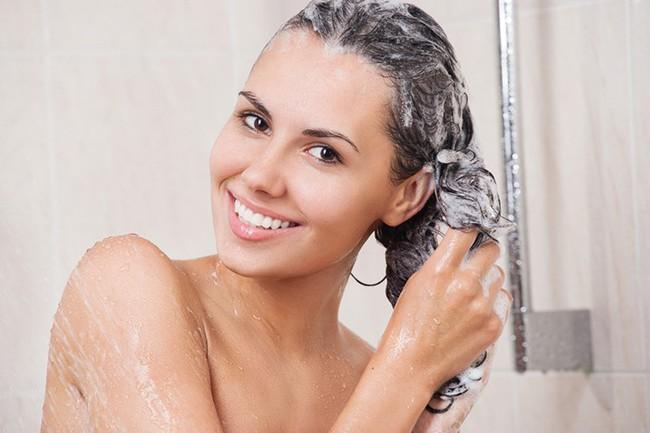 8 lời khuyên tâm huyết từ các nhà tạo mẫu tóc, chị em hãy nhớ để có mái tóc đẹp như mơ - Ảnh 3.