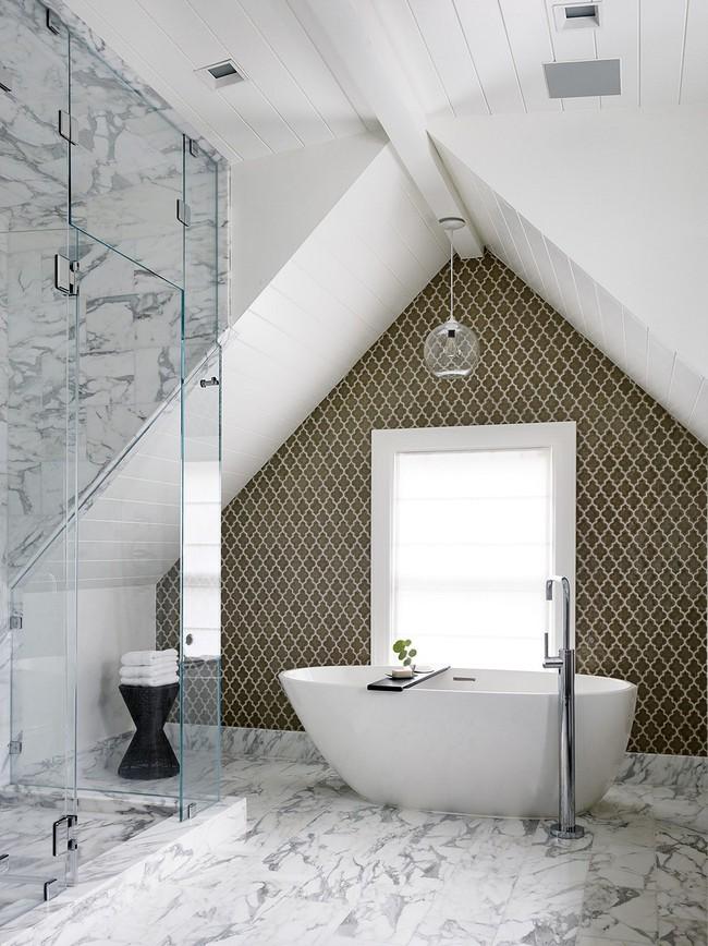 Tận dụng gác mái làm phòng tắm, ý tưởng thiết kế vừa đẹp vừa độc đáo ngại gì mà không thử - Ảnh 7.