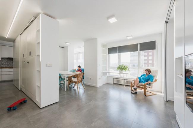 Tường xoay cho phép căn hộ này thay đổi bố cục chỉ trong vài phút - Ảnh 4.