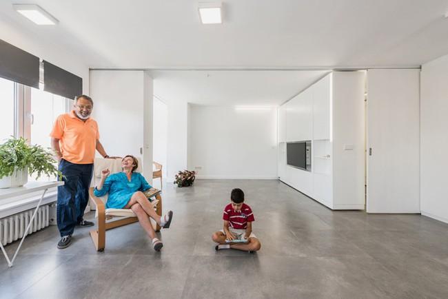 Tường xoay cho phép căn hộ này thay đổi bố cục chỉ trong vài phút - Ảnh 5.