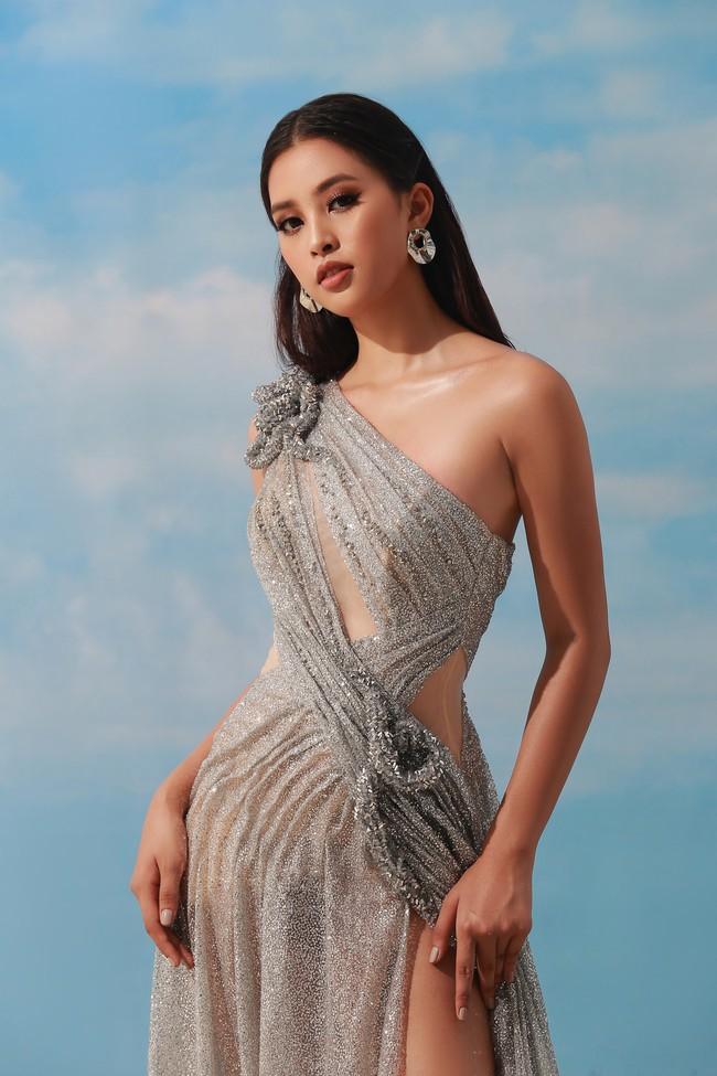 Sau khi đăng quang Hoa hậu Việt Nam 2018, Trần Tiểu Vy ngày càng chịu hở bạo - Ảnh 6.
