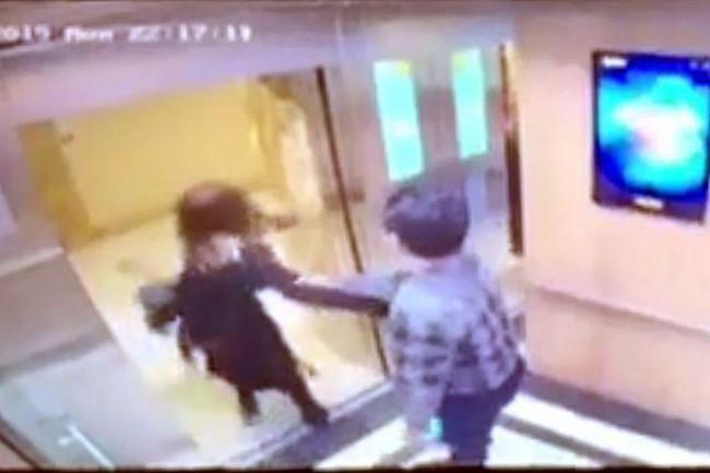 Sau loạt vụ việc, thang máy chung cư đang trở thành nỗi ám ảnh của phụ nữ, trẻ nhỏ? - Ảnh 2.