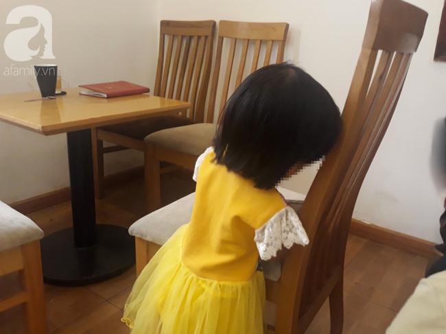 Người mẹ đau đớn tố cáo lão già xâm hại con gái 3 tuổi: Con bé nói ông ta làm con đau, hôn vào mặt con... - Ảnh 3.