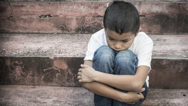 Nếu con bị bạn bắt nạt hay đánh đập ở trường thì đây là điều các bậc phụ huynh nên làm thay vì bảo trẻ mách cô - Ảnh 3.