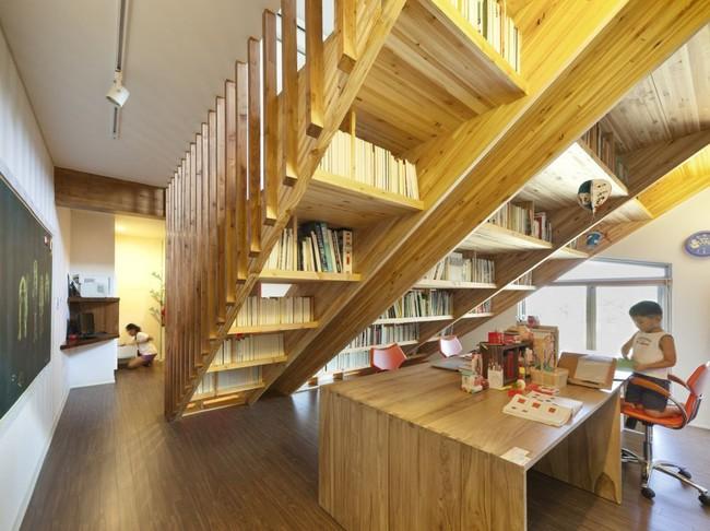 Tận dụng cầu thang thành tủ sách đang trở thành xu hướng, có thiết kế khiến giới mộ điệu phải ngạc nhiên vì sự hoành tráng đến không tưởng - Ảnh 14.