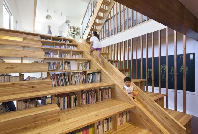 Tận dụng cầu thang thành tủ sách đang trở thành xu hướng, có thiết kế khiến giới mộ điệu phải ngạc nhiên vì sự hoành tráng đến không tưởng - Ảnh 16.