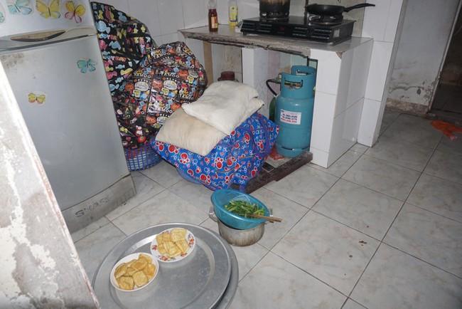Con trai của nữ lao công bị xe ô tô điên tông chết: Mẹ nói ăn cơm, học bài xong mẹ sẽ về, mà mẹ có về nữa đâu... - Ảnh 5.