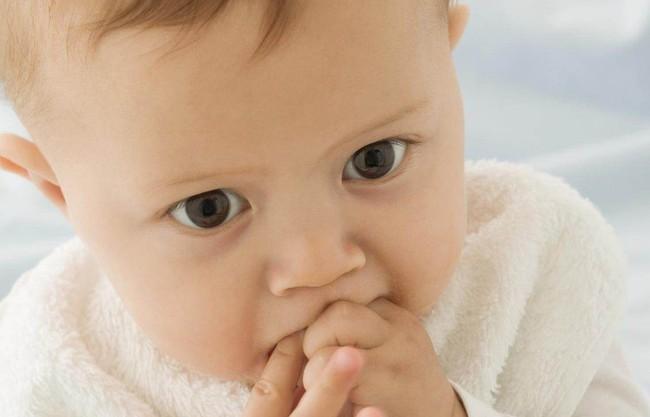 Những thói quen xấu khiến trẻ bị la mắng nhưng bố mẹ không biết chính mình mới là người làm hư con - Ảnh 2.