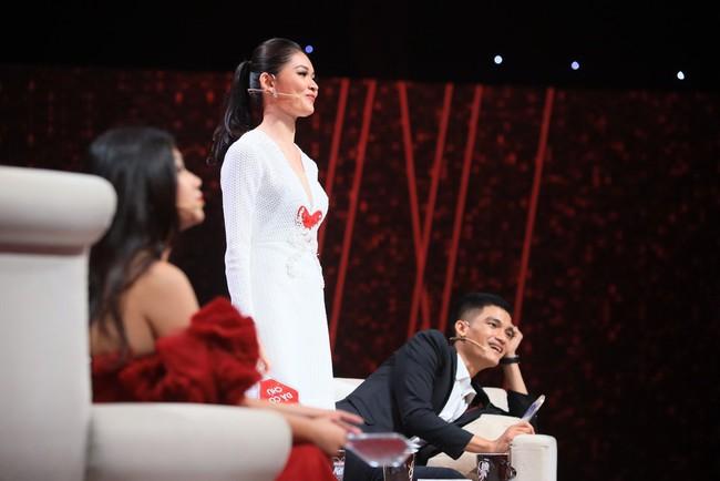 Hương Giang dằn mặt Á hậu Thùy Dung trên truyền hình: Cần phải biết tôn ti trật tự em nhé! - Ảnh 6.