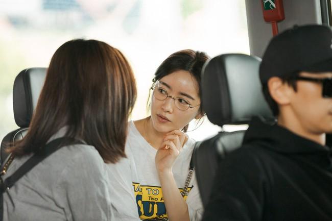 hong-soo-ah-3-1556182907376754256326.jpg