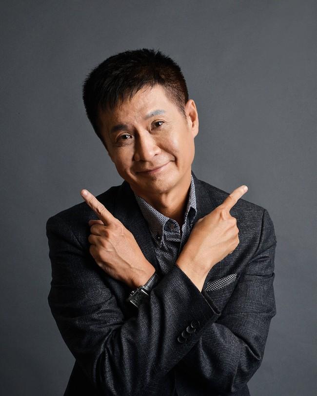 Chị em phì cười với cách mà đạo diễn Lê Hoàng vạch mặt cánh đàn ông: Trước chê phụ nữ PTTM, nay lén lút đi tu sửa! - Ảnh 1.