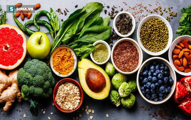 1/5 tổng số ca tử vong liên quan đến chế độ ăn: Đây mới là cách ăn đúng để tránh bệnh tật - Ảnh 1.