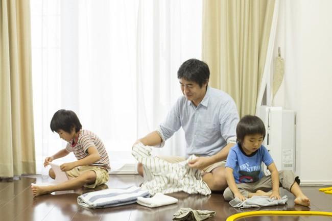 5 bí kíp thần thánh giúp trẻ nghe lời ngay từ đầu mà cha mẹ không cần la hét khản cổ - Ảnh 2.