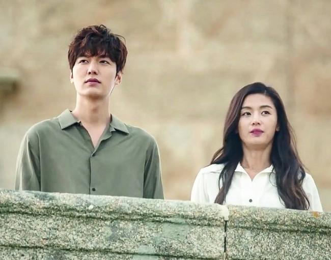 Xem lại Huyền thoại biển xanh của Lee Min Ho, chỉ muốn xách ba lô lên và đi ngay lập tức vì lý do này - Ảnh 1.