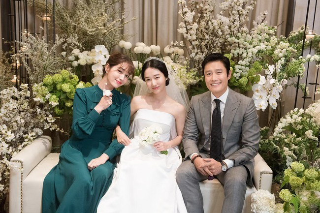 Lee Min Jung khoe ảnh, nhân vật đặc biệt bỗng lọt vào khung hình: Đằng sau màn sống ảo của vợ là công sức người chồng - Ảnh 7.
